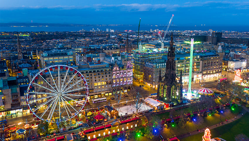 Edinburgh at Christmas - Panoramic view